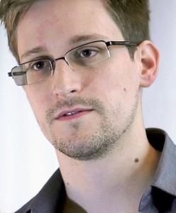 Edward Snowden: Patriotic American who defended the US constitution against the government overreach ?