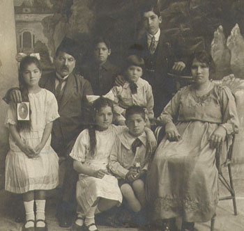 Christian Arab Family, Jerusalem, 1926. Courtesy Ray Hanania