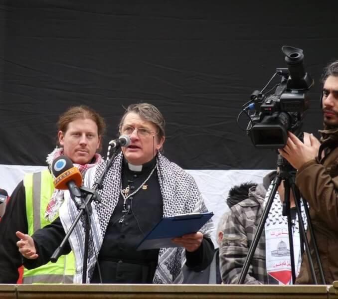 Fighting Father Dave Smith Talks Vanunu Gaza Syria