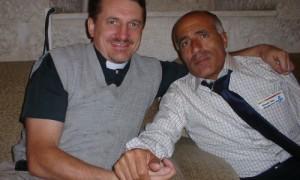 Dave Smith and Vanunu, April 2004