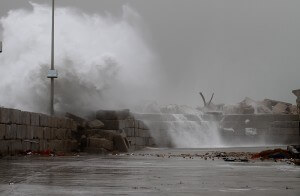 Heavy waves pummel the Gaza coastal region as storm approaches. Photo Copyright (C) 2015 Mohammed Asad. All Rights Reserved. Permission to republish given with full credit to Mohammed Asad and The Arab Daily News.
