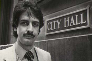 Ray Hanania covering Chicago City Hall (1976-1992)