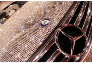 Diamond encrusted Mercedes Benz is not owned by Alwaleed, but by an American company GARSON USA. www.garson-usa.com