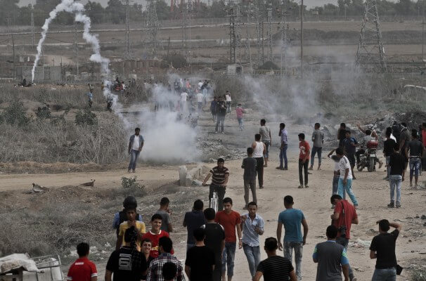 Palestinians continue protests against Israeli violence