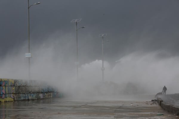 Storm hits Gaza Strip in Palestine. Copyright (C) 2016 Mohammed Asad. All Rights reserved. Photos may be reproduced with proper credit to Mohammed Asad and the Arab Daily News