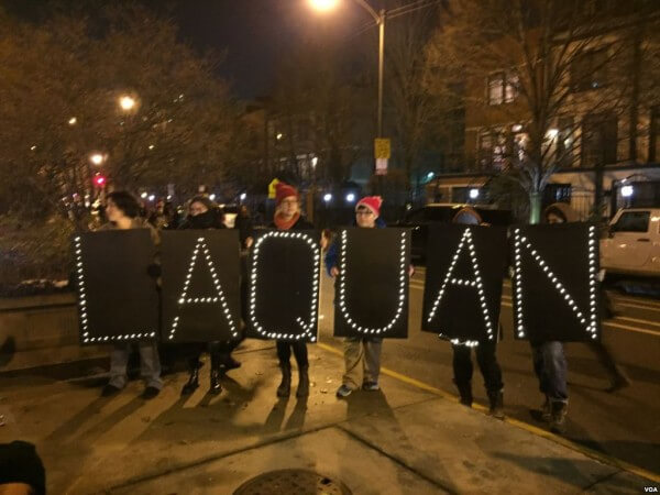 Citizens hold memorial for Laquan McDonald. Photo courtesy of Wikipedia
