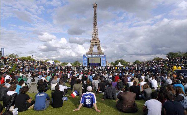 Soccer-Paris fan zone under 24-7 surveillance during Euro 2016
