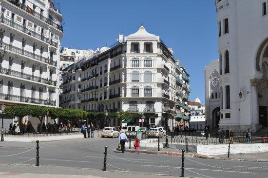 Algeria At The Crossroads, Normal Bro!