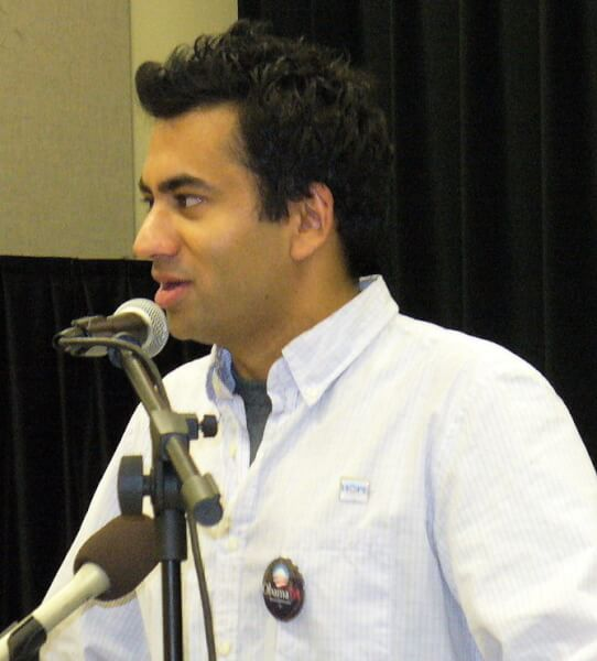 English: Kal Penn speaking at a rally for Bara...