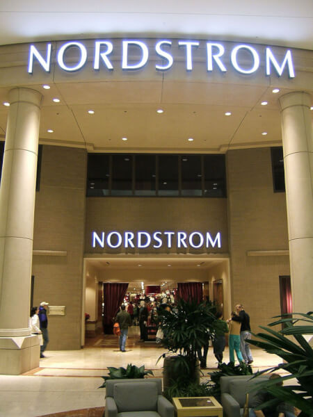 English: Nordstrom at Washington Square (Orego...