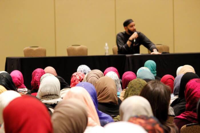 Speaker addresses gathering at the annual MAS/ICNA Convention. Photo courtesy of MAS