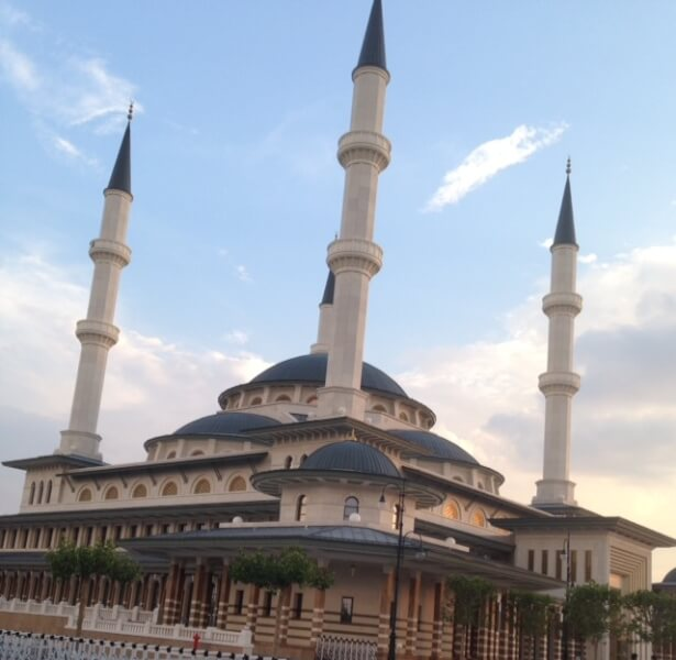 Mosque near the Turkish Presidential Palace in Ankara. Photo courtesy of Abdennour Toumi
