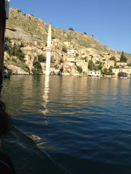 Halfeti, Urfa on the east bank of the river Euphrates in Şanlıurfa Province in Turkey, 120 km from the city of Şanlıurfa. Photo courtesy of Abdennour Toumi