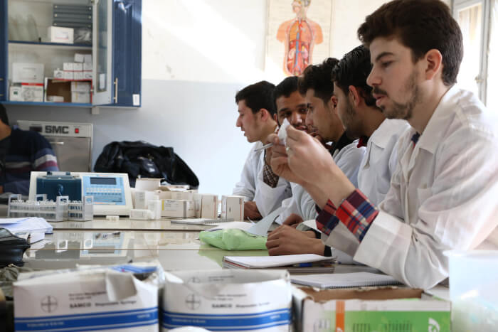 SAMS Syrian American Medical Society provides scholarships to medical students. https://www.sams-usa.net