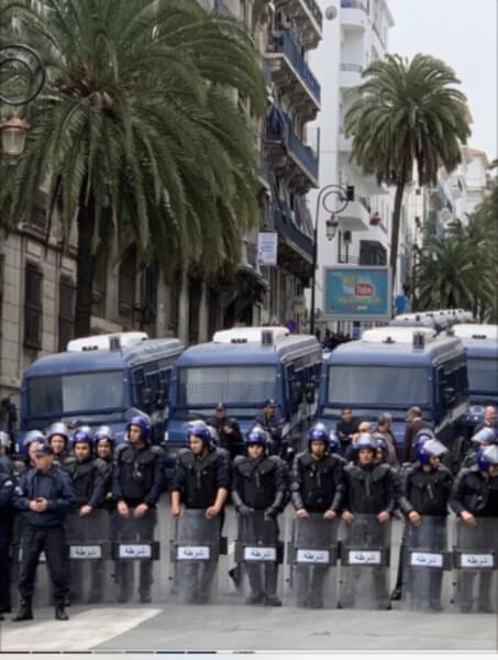 Algerian anti-riot forces in Algiers Courtesy Khaled Drarni