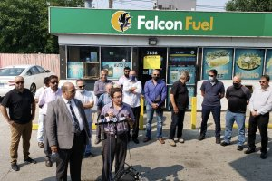 American Arab Chamber of Commerce President Hassan Nijem is joined by Chicago Ald. Raymond Lopez and 25 Arab American business owners who say Mayor Lori Lightfoot is wrongly closing their businesses. Photo courtesy of Ray Hanania