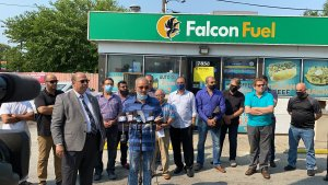 Ayser Shaban speaks at a press conference organized by the American Arab Chamber of Commerce President Hassan Nijem and joined by Chicago Ald. Raymond Lopez and 25 Arab American business owners who say Mayor Lori Lightfoot is wrongly closing their businesses. Photo courtesy of Ray Hanania